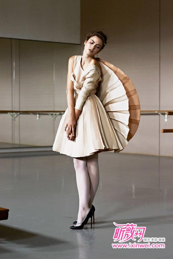 黑天鹅式芭蕾舞主题优雅浪漫