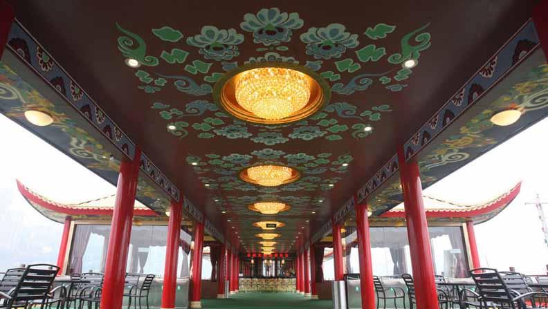 金碧皇宫号漂亮的内部环境图片