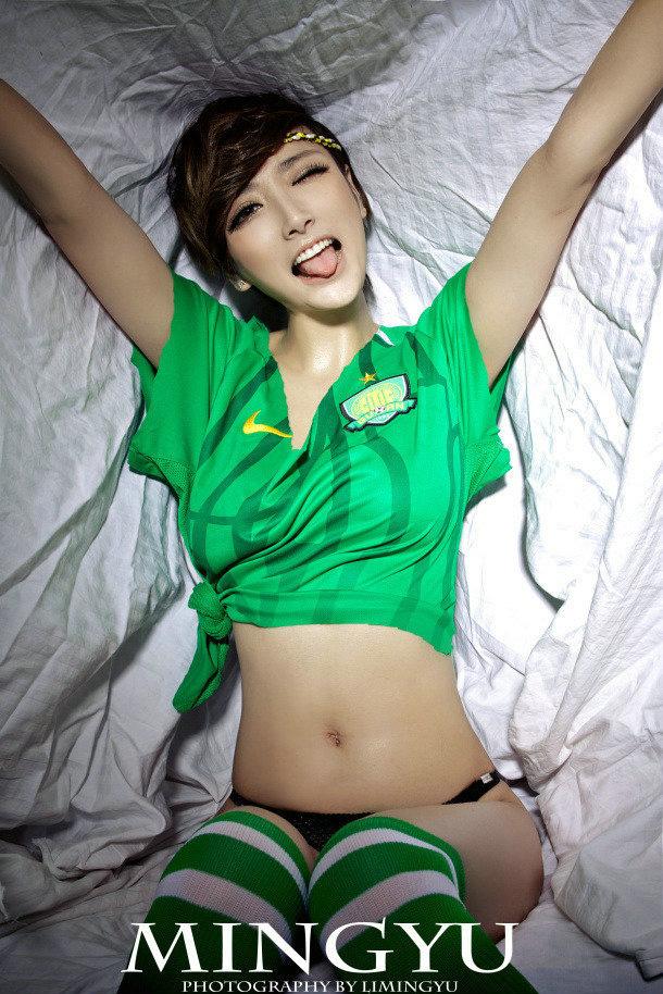 国安足球宝贝韩卓尔演绎中国世界杯神话图片