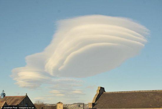 花鼓戏西湖调简谱戏西-英国西约克郡上空出现怪云酷似UFO_山水子吧_百度贴吧