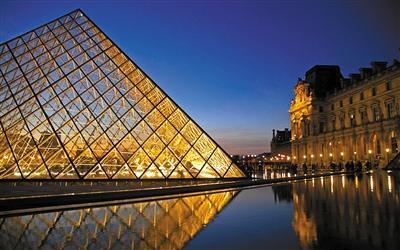 贝聿铭/贝聿铭惊世设计作品巴黎卢浮宫。