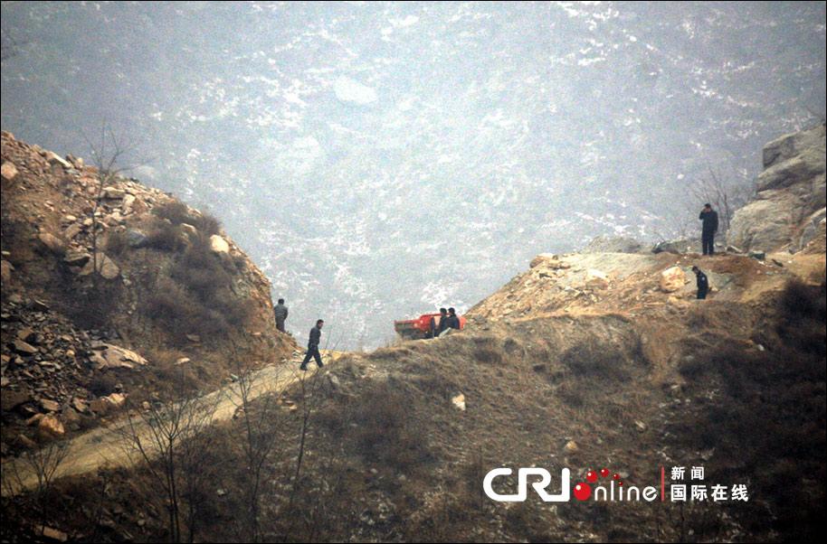 河北 行唐县/2012年01月14日,河北行唐县,爆炸地点山体被采挖多半。图片...
