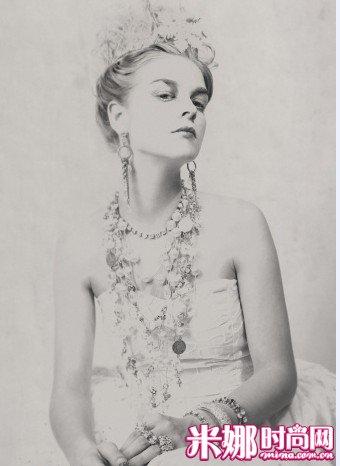 设计独一无二的珠宝   项链,从这份年份不祥的泛黄手稿中可隐
