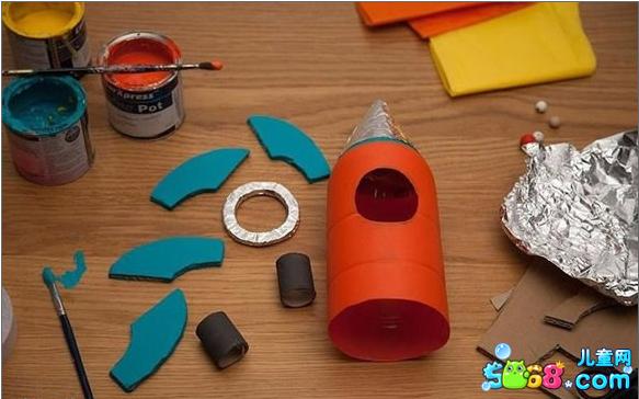 手工制作玩具:塑料瓶变火箭