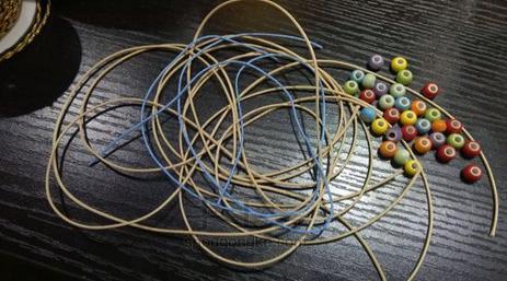 手链编织方法图解:彩虹葡萄串珠
