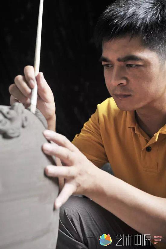 刘红生:站在时代前沿传承钧瓷艺术