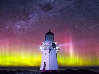 新西兰夜空美景色彩斑斓令人叹为观止