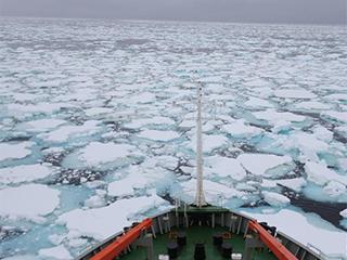 """专访:中国南极科考队员讲述""""冰缝惊魂记"""""""
