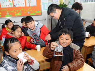 东阳:免费送中药进校园防流感