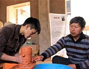 云南建水:紫陶产业助力脱贫增收