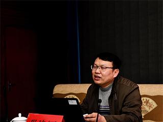 邓建军:重视在职教育 让终生学习的理念发扬光大