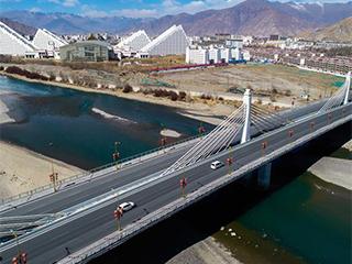 西藏力争三年内实现所有乡镇和建制村通公路