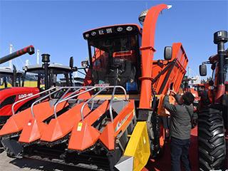 吉林举办现代农业机械装备展