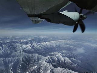 西部战区空军首次出动运-9飞机空转抢救高原病危军人