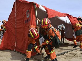 银川举行地震救援实战演练