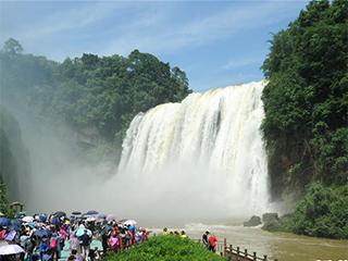 贵州黄果树瀑布迎来丰水期