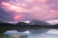 加拿大落基山脉的夏日风情