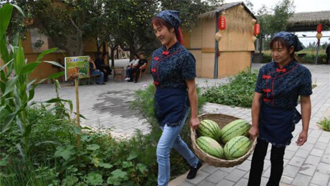 """甘肃:乡村旅游让农民享受""""绿色收益"""""""
