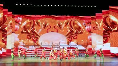 菊开重阳展风采 兰州市离退休干部重阳节文艺演出举行