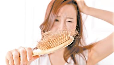 年轻人脱发 可能是饮食问题
