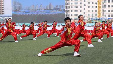 兰州:孩子们在体育课上玩出了大花样