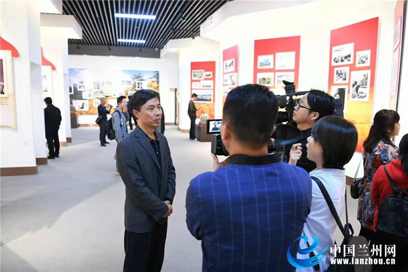 榆中县纪念新中国成立七十周年主题老照片今日开展