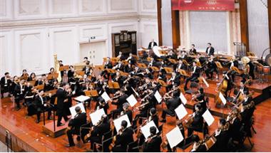 名家名作奏响中国奋进强音