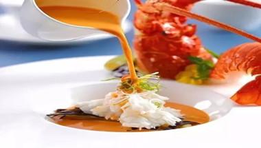 轻蒸嫩肉佐龙虾汤