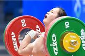 邓薇获女子64公斤级抓举和总成绩冠军并创造抓举新世界纪录