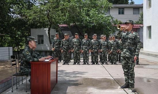 探访武警贵州省总队司号员集训