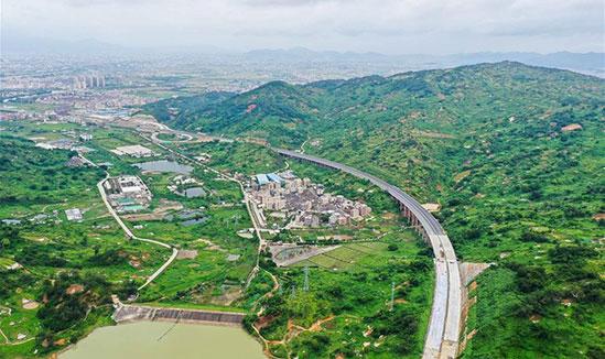 广东:汕揭高速建设进展顺利