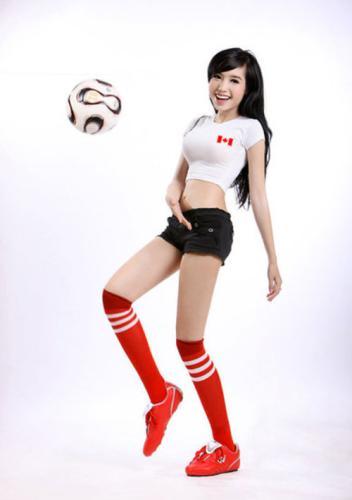 性感写真 代言/近日,越南大胸妹Elly性感代言FIFA OL2,修长美腿及丰满的上围...