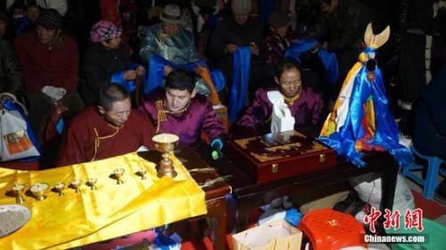 祭火节是蒙古族最主要的传统节日之一,源于蒙古族对火的崇拜.